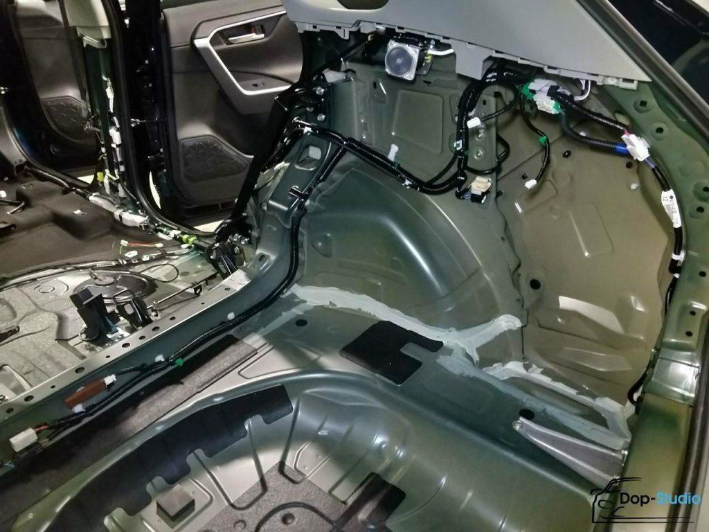 Где сделать шумоизоляцию багажника в Москве?